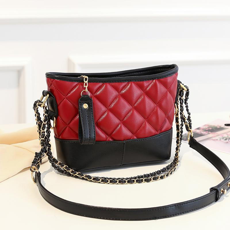 http://double-city.ru/images/cms/data/woman_bags/Bags_1/3358-3_red_wine.jpg